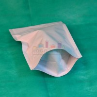 Белые пакеты дой-пак с замком зип-лок металлизированные