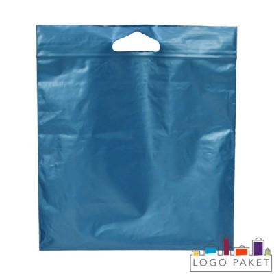 Пакет с замком зип-лок и вырубной ручкой для упаковки одежды
