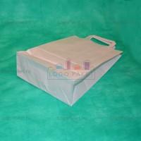 Белый крафт пакет 43х32х17 с плоскими ручками
