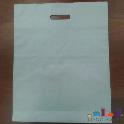 Пакет с вырубной ручкой и донной складкой ПНД 20х30