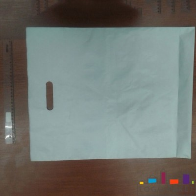 Пакет с вырубной ручкой и донной складкой ПНД 60х70