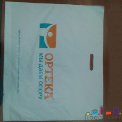Пакет ПНД с вырубной ручкой 40х50 и донной складкой
