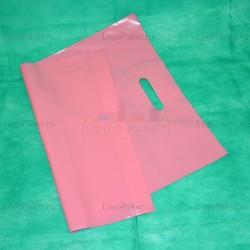 Пакет ПСД 30х40 см с вырубной ручкой и донной складкой