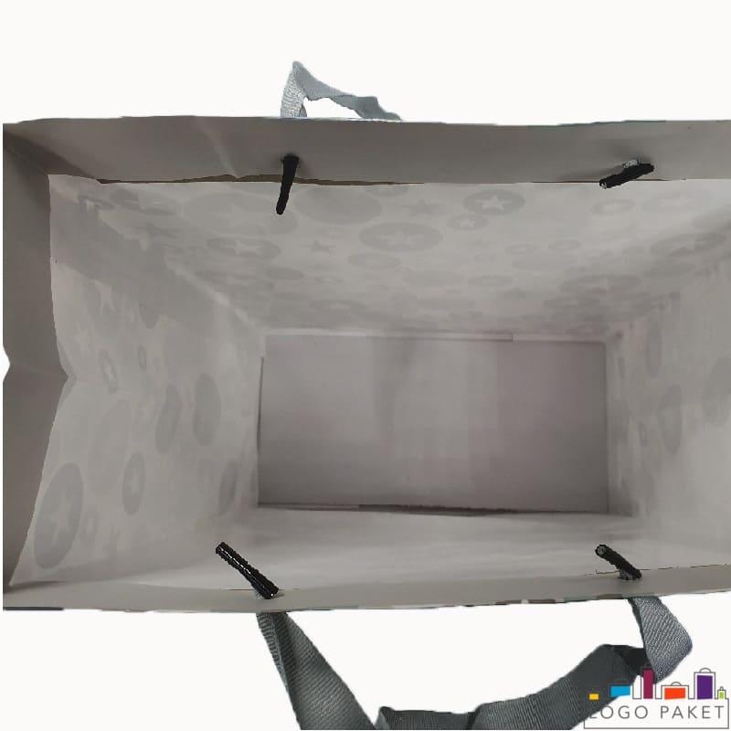 Готовый подарочный бумажный пакет, вид внутри