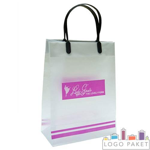 пакет с логотипом и пластиковым ручками с креплением клипса