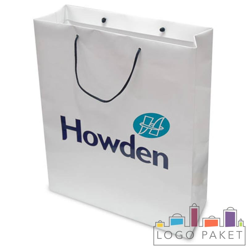 пакет с ручками из мелованной бумаги белый