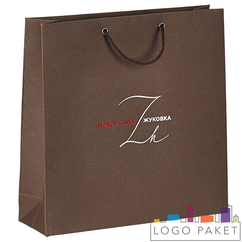 пакет с ручками из мелованной бумаги коричневый