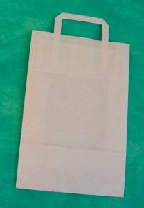 образец белого крафт-пакета 33х22 с плоскими ручками.