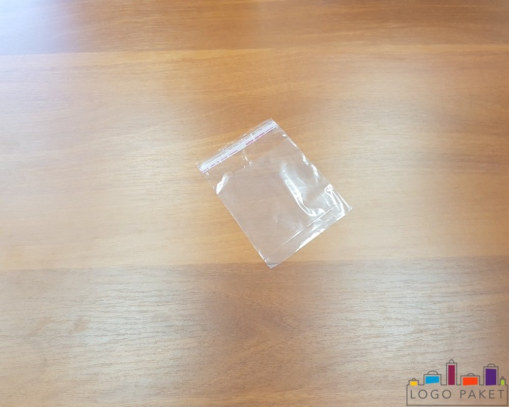 Полипропиленовые пакеты с клеевым клапаном, Прозрачный, Средний, вид сверху под углом