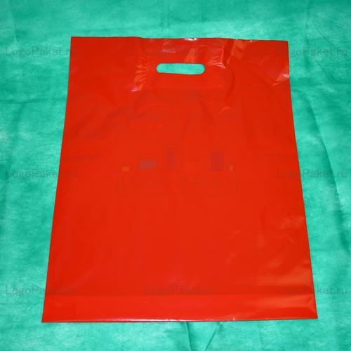 Пакет из псд с вырубной ручкой красного цвета
