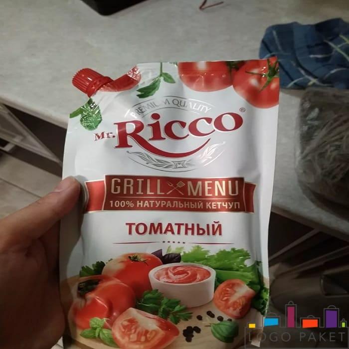 Кетчуп в упаковке