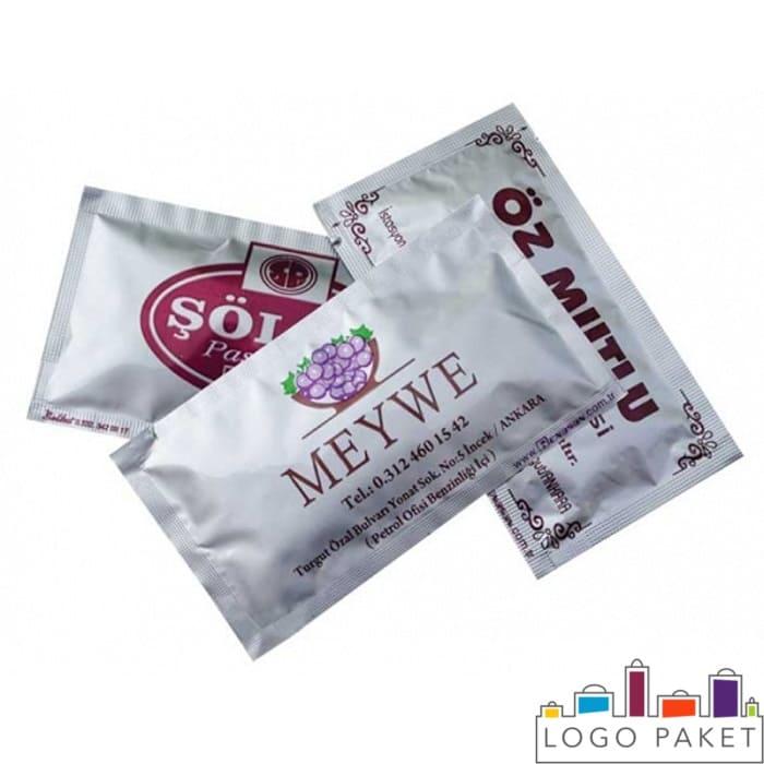 Стик-пакетики для влажных салфеток с печатью