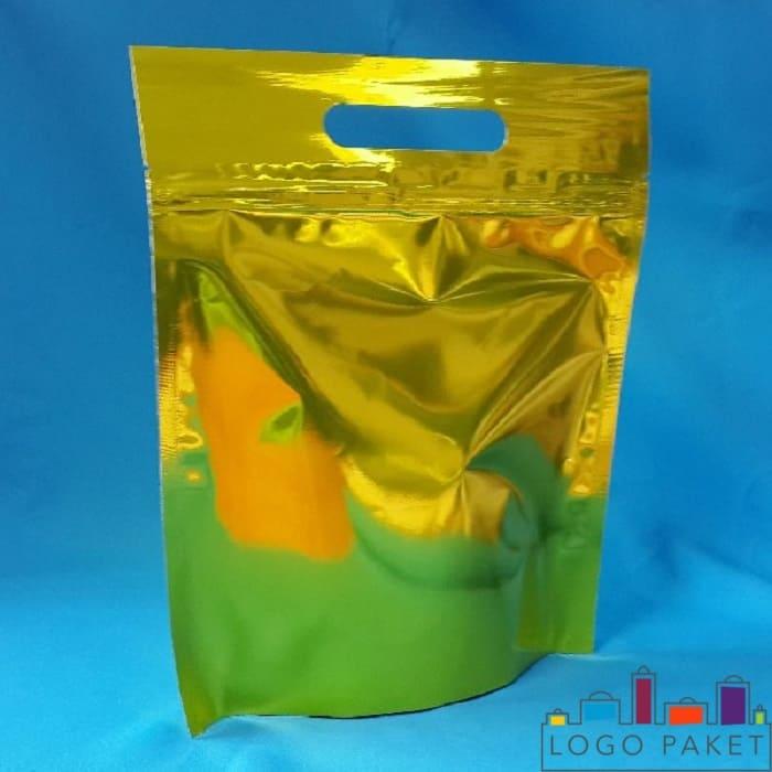 Пакет для стирального порошка дой пак с ручкой и зип-замком металлизированный золотистый